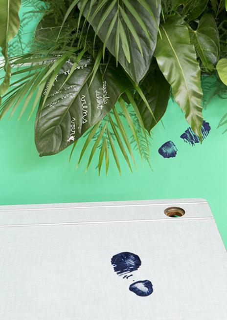 Scénographie Jungle School, mise en scène des bureaux d'enfant vintage Les Trafiquantes
