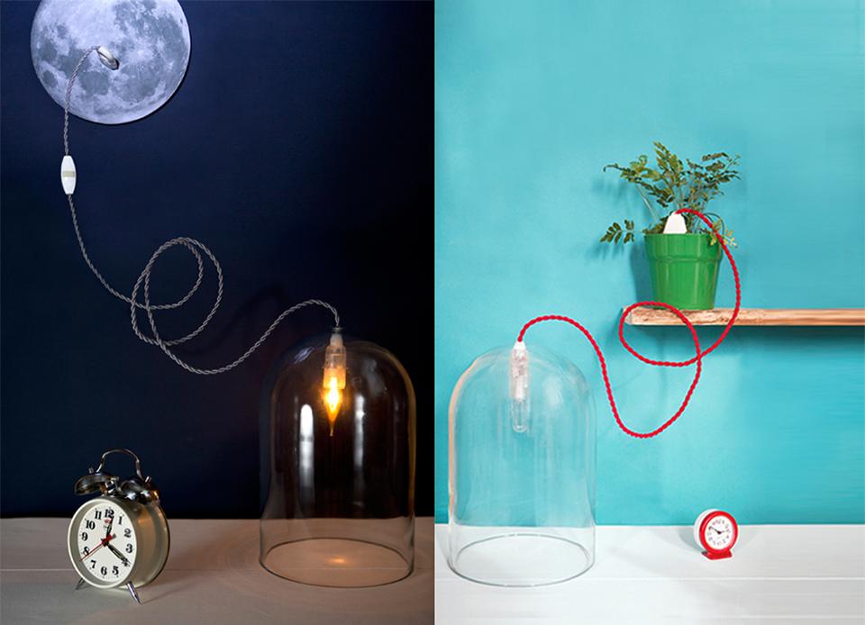 Scénographie, set design, mise en scène - Lampes globe avec fil de couleur